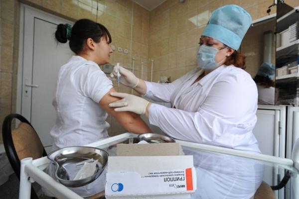 Бесплатные прививки отгриппа начали делать около 12 станций московского метро