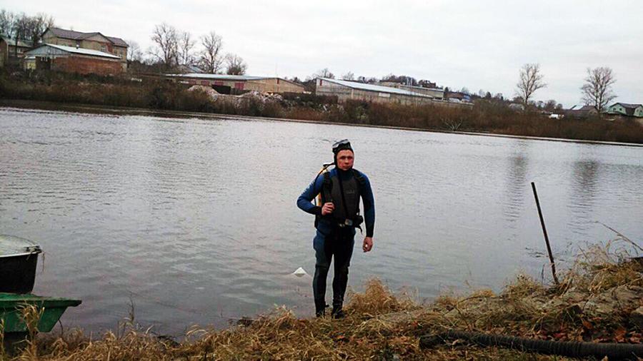 Сергей Моксин изСмоленской области провел под водой 74400 мин.